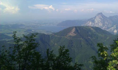 Blick nach Norden auf den Tranunsee und Traunstein