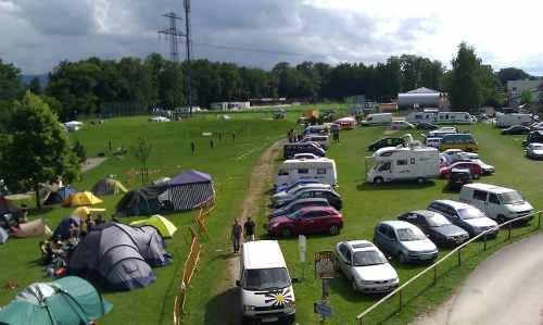 Rand des Zeltplatzes und des Parkplatzes für den Finkstonball und das Pfingstspektakel