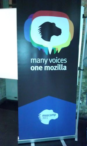 Many Voices, one Mozilla (Plakat in blau)